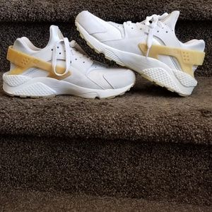 Nike Shoes - Air Huarache SE Gum Only